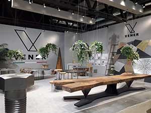 Panoramica dello stand di Vener Tailor made art, presso il Salone del mobile del 2019